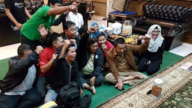 Tak Pakai Pay TV MNC Group, Menpora Nobar Timnas Lewat HP